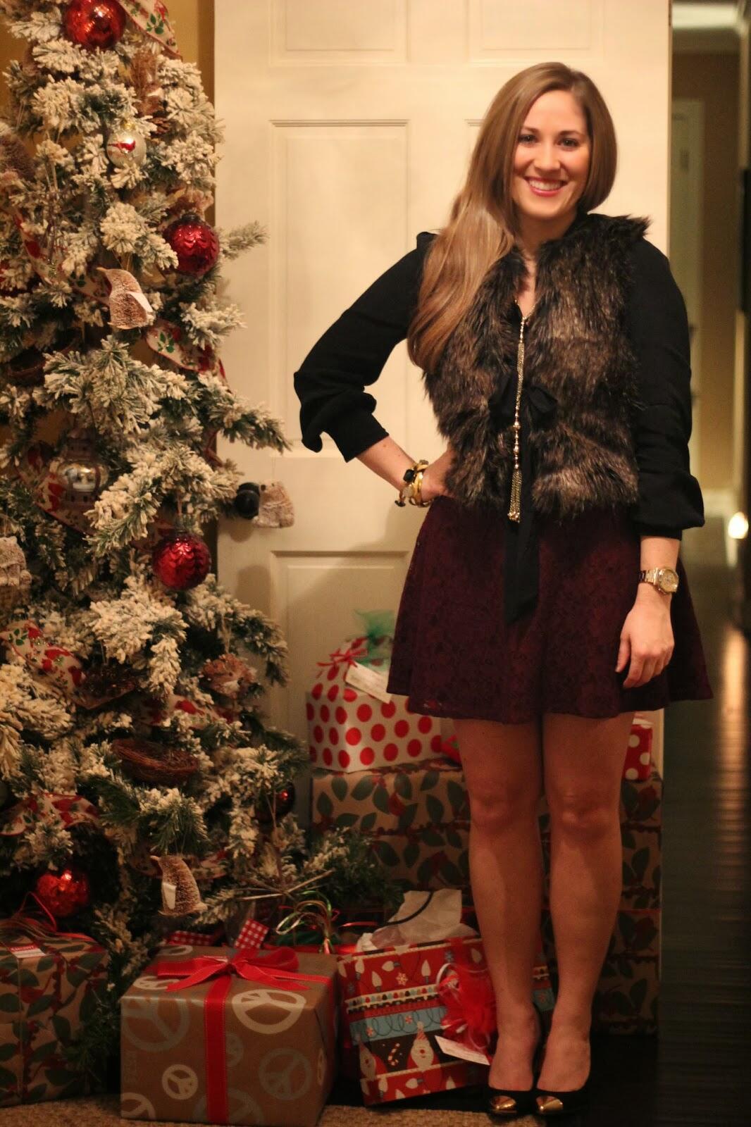 Merry Christmas! | Walking in Memphis in High Heels