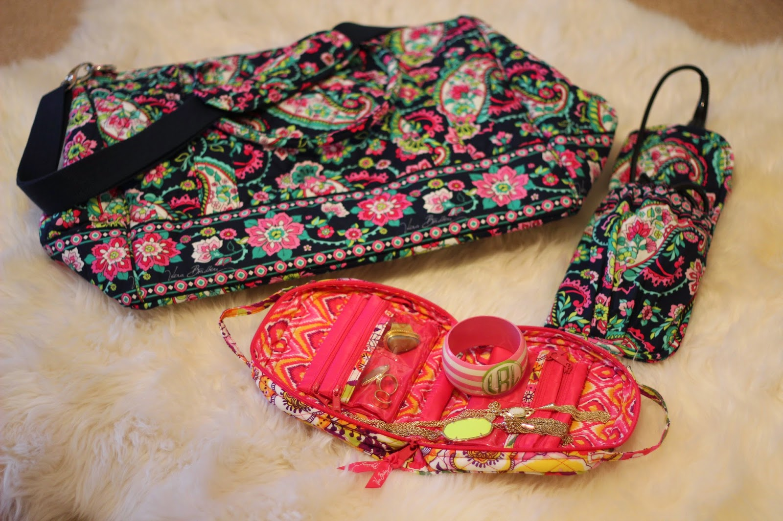What to Pack in Your Vera Bradley Travel Bag Walking in Memphis in