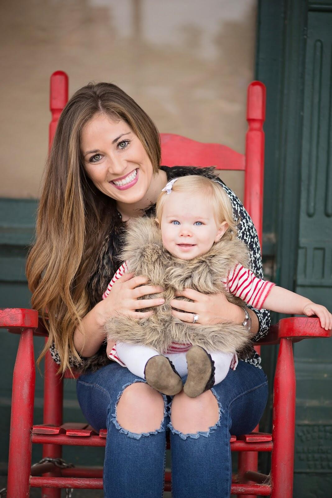 Family Photos with Minted Christmas Cards  by East Memphis mom blogger Walking in Memphis in High Heels