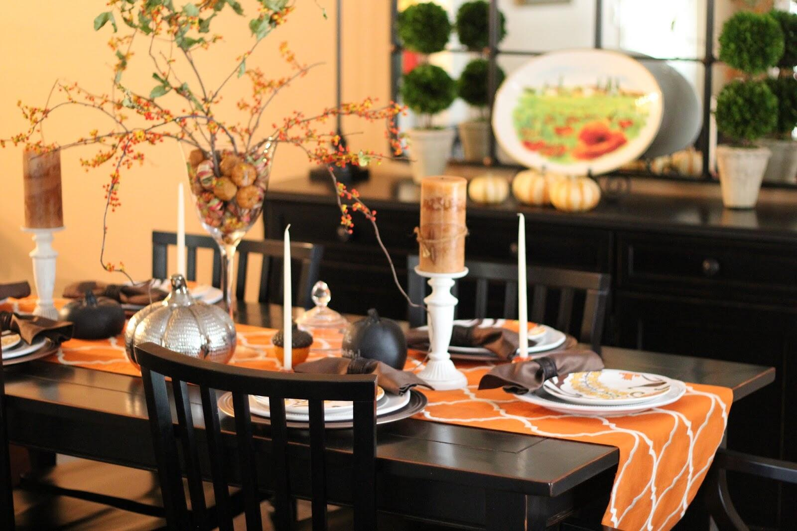 Thanksgiving Tablescape - How to Decorate for the Holidays by East Memphis blogger Walking in Memphis in High Heels