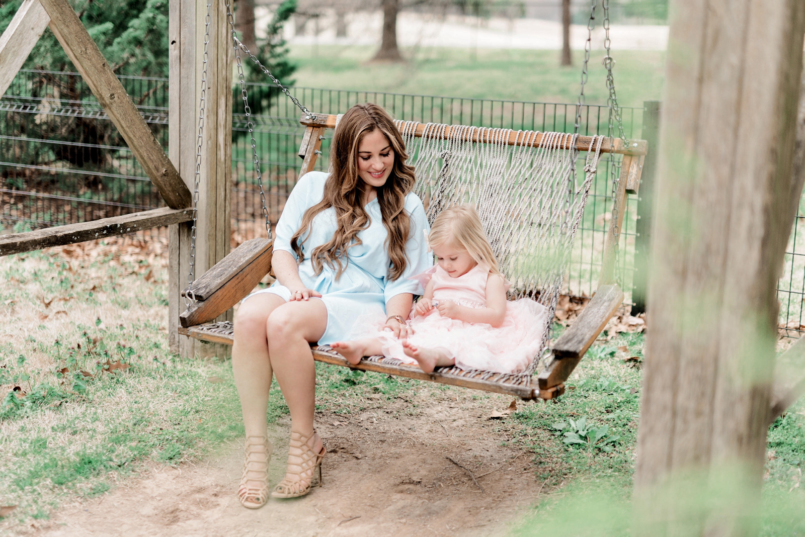 Easter Outfit Ideas - Mama & Mini Style by fashion blogger Laura from Walking in Memphis in High Heels