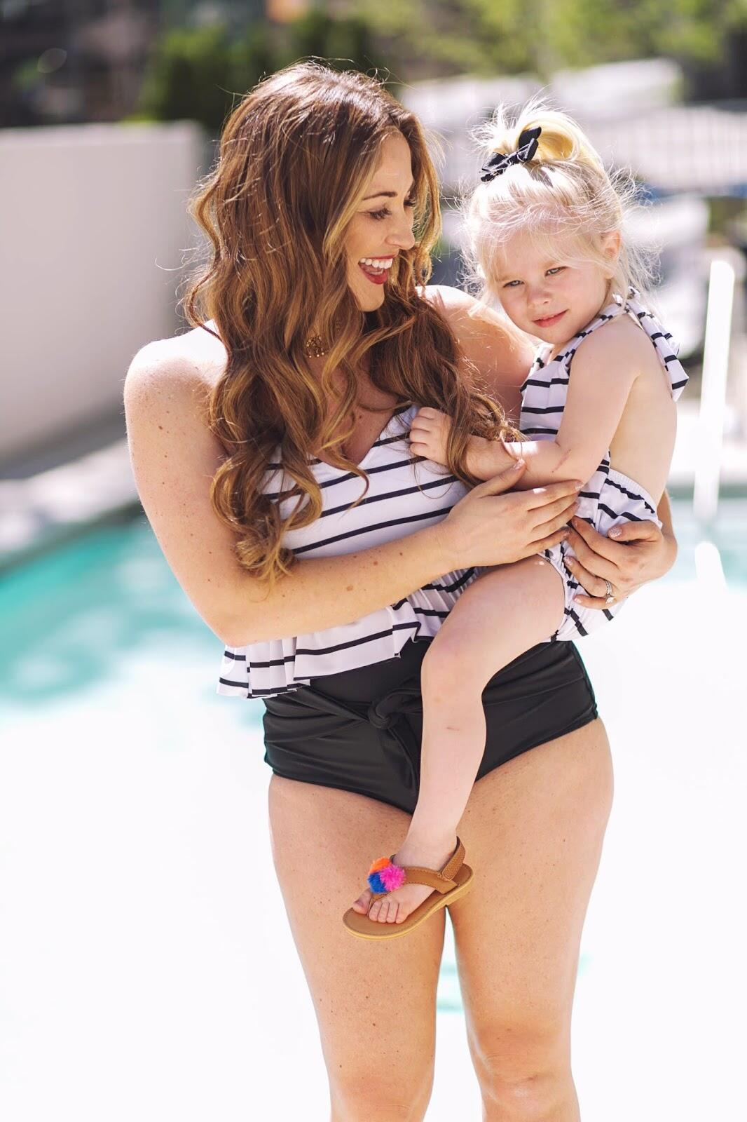 Swimsuits For Moms & My 30 Day Sugar Detox by lifestyle blogger Laura of Walking in Memphis in High Heels