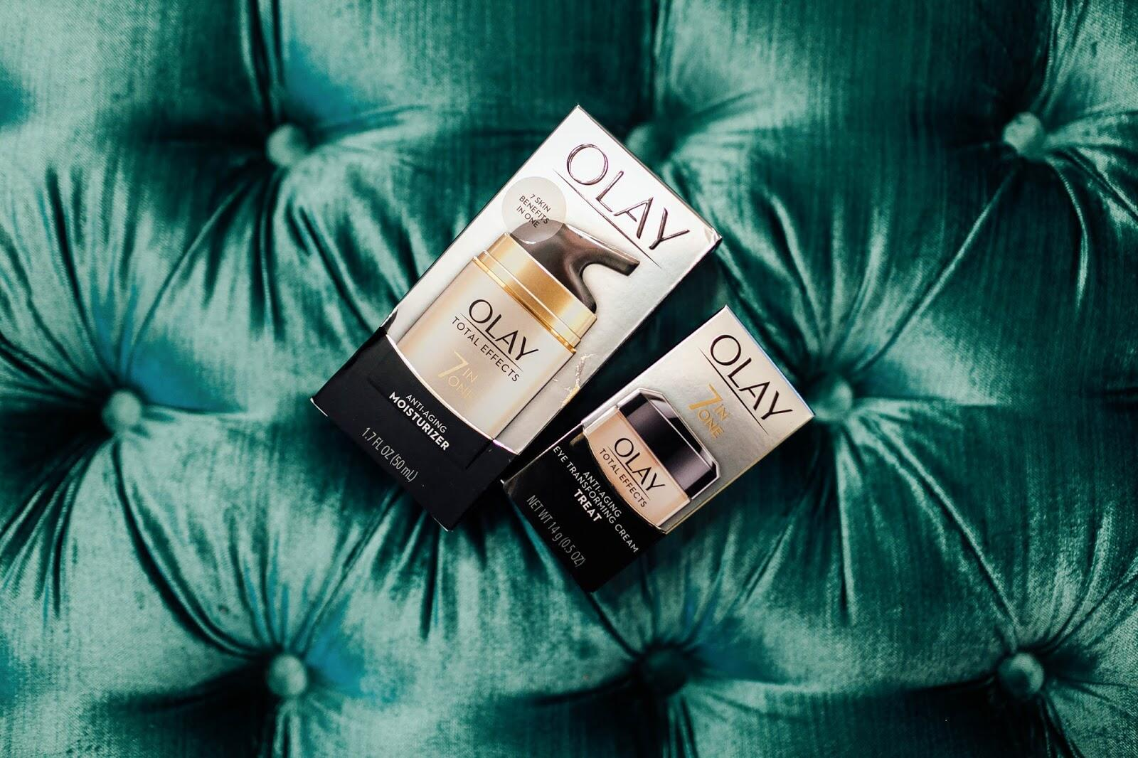 28 Days of Olay Products + My Skin's Age by fashion blogger Laura of Walking in Memphis in High Heels