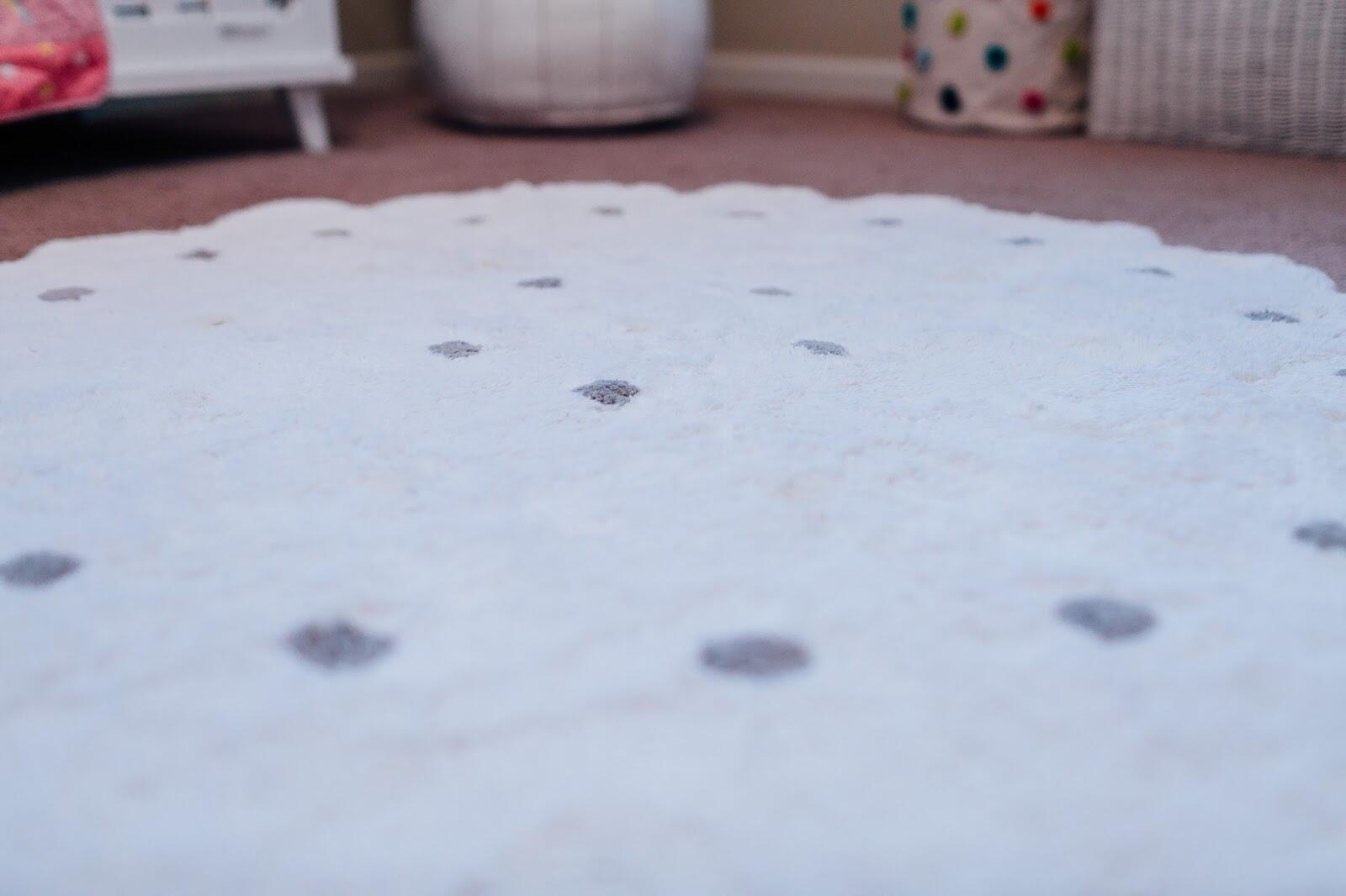How to Choose a Rug for Your Child's Room by lifestyle blogger Laura of Walking in Memphis in High Heels