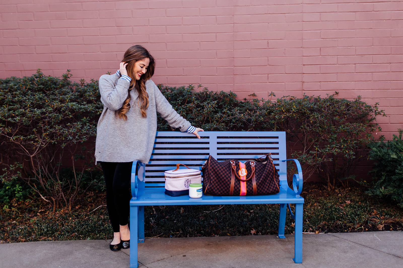 5 Packing Tips For Your Travel Bag by lifestyle blogger Laura of Walking in Memphis in High Heels
