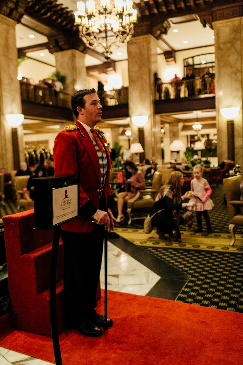 Popular East Memphis lifestyle blogger Walking in Memphis in High Heels at the Peabody hotel