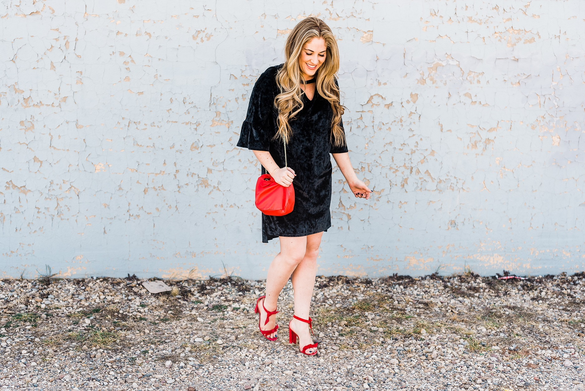 How to Add Red Accessories for the Perfect Valentine's Day Look by East Memphis fashion blogger Walking in Memphis in High Heels