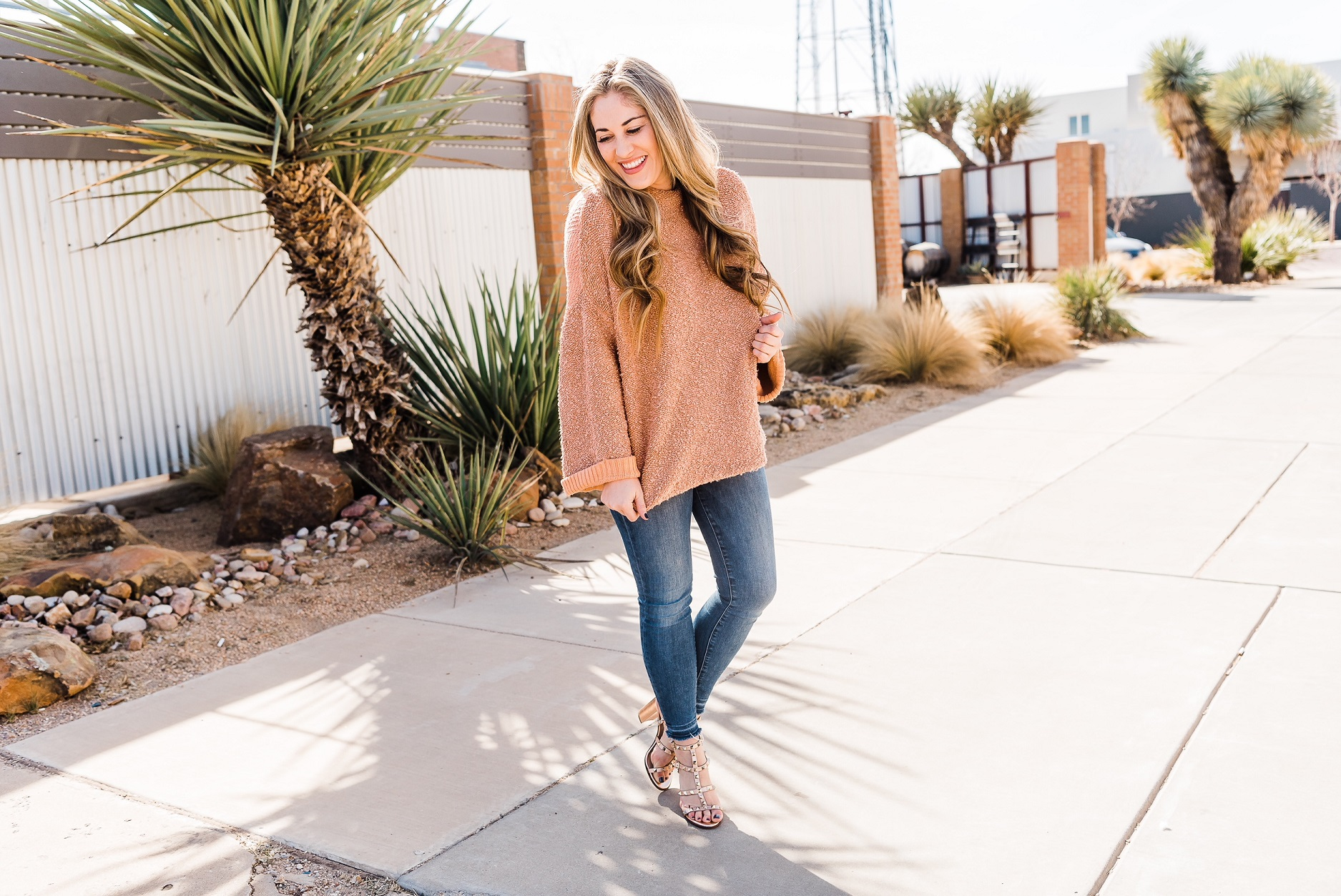 The Oversized Sweater You Need by East Memphis fashion blogger Walking in Memphis in High Heels