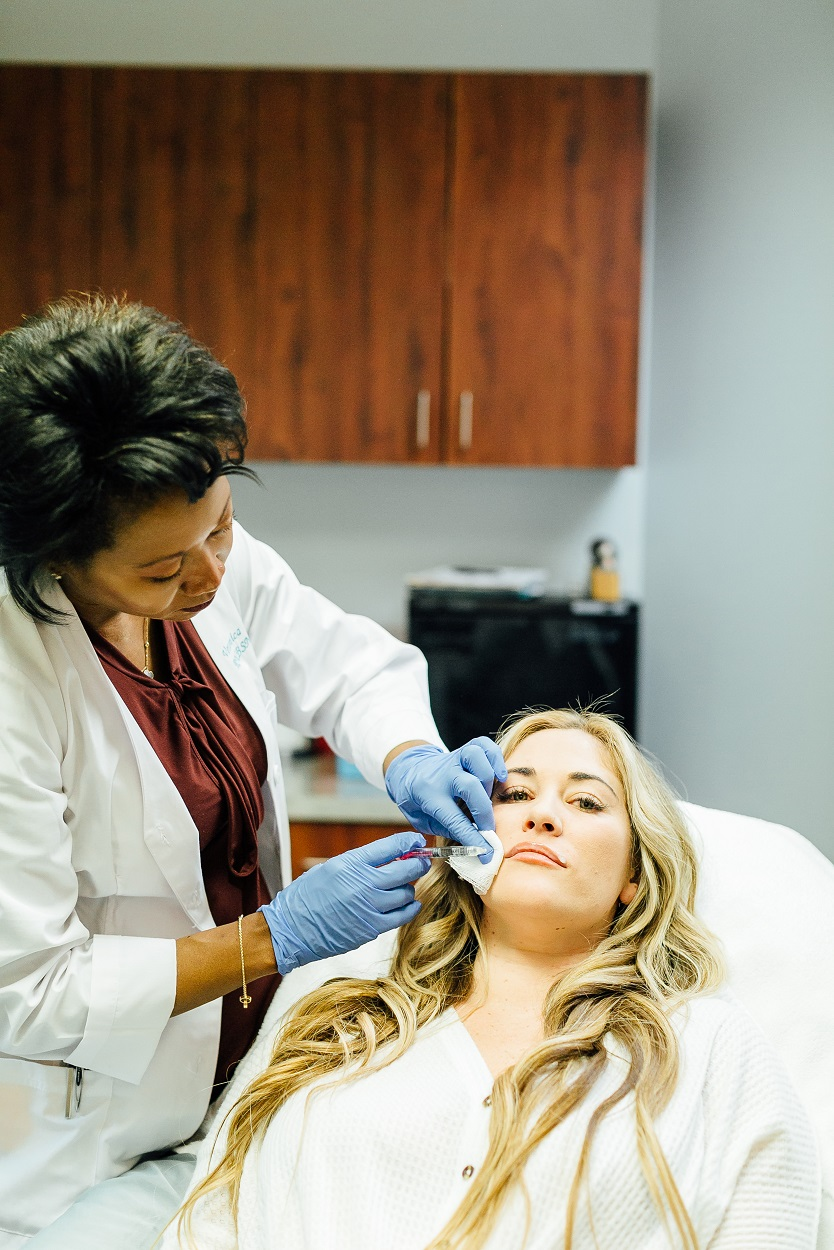 What It's Like to Get Juvederm Lip Fillers by popular beauty blogger Walking in Memphis in High Heels