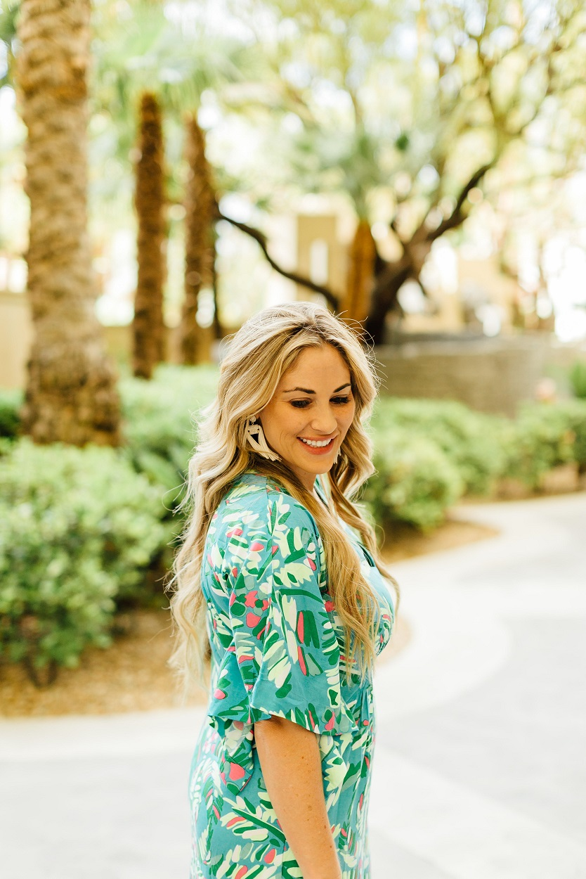 The Perfect Summer Caftan from Escapada Living featured by popular fashion blogger, Walking in Memphis in High Heels