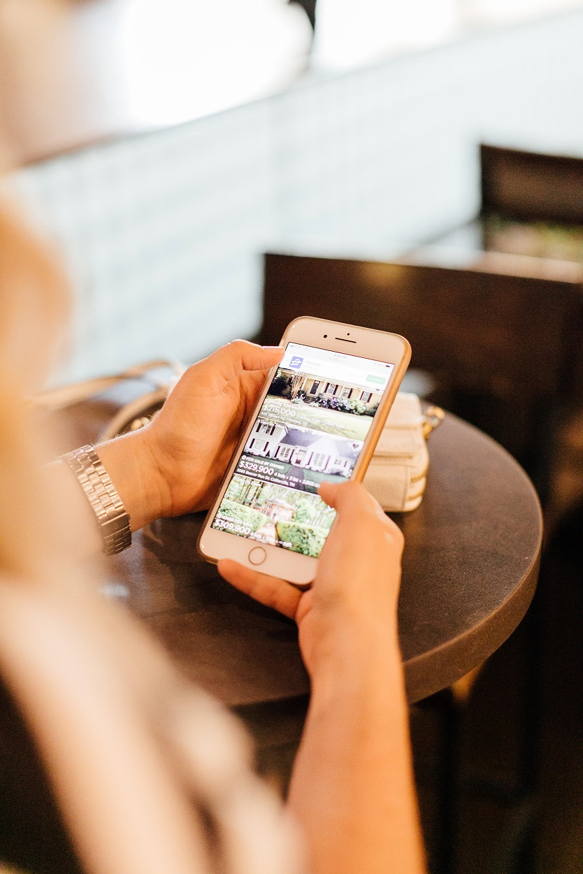 American Express Service, MyCredit Guide, featured by popular lifestyle blogger, Walking in Memphis in High Heels