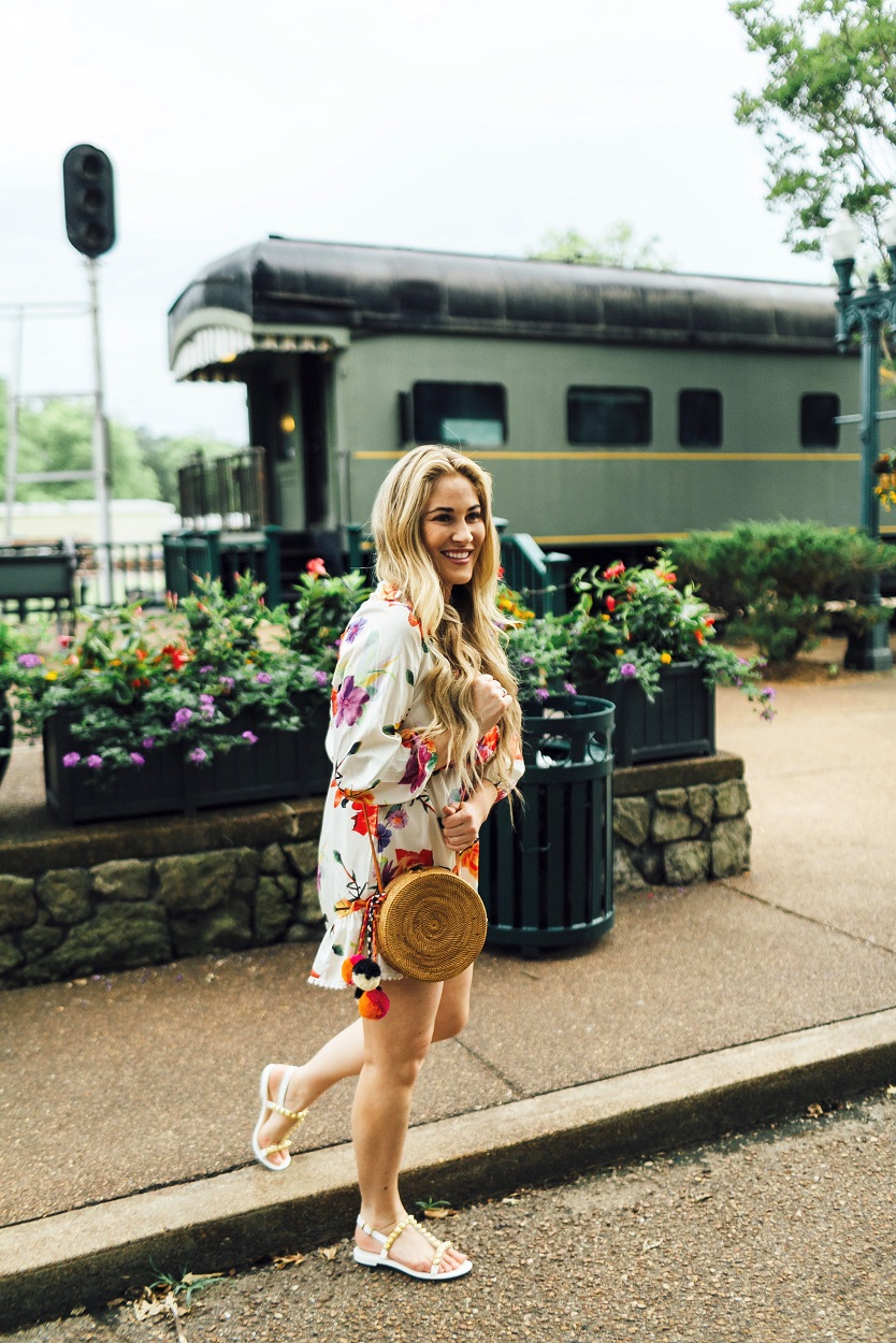 Summer accessories featured by popular fashion blogger, Walking in Memphis in High Heels