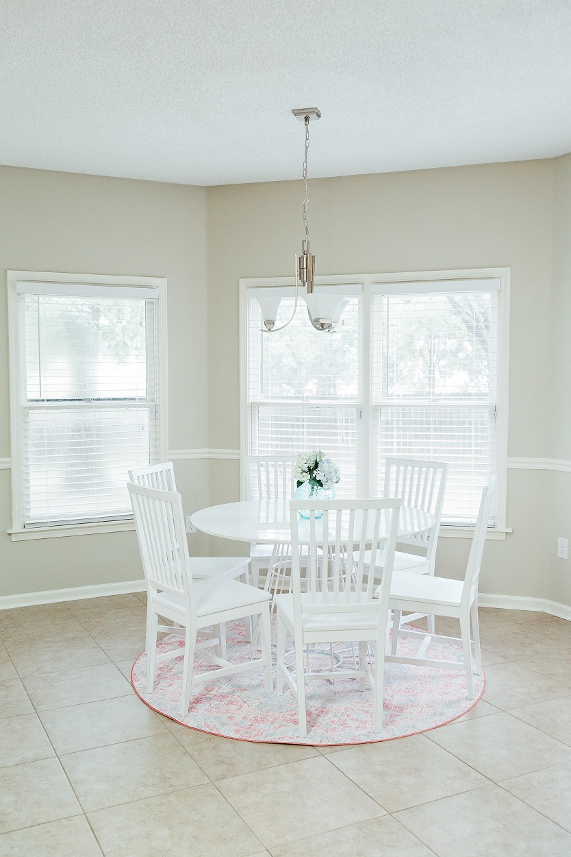 Refreshing Summer Home Decor for Dining Room & Kitchen featured by popular lifestyle blogger, Walking in Memphis in High Heels