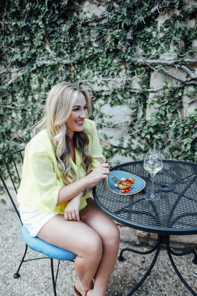 5 Places to Visit for a Weekend in Fredericksburg, TX featured by popular travel blogger, Walking in Memphis in High Heels
