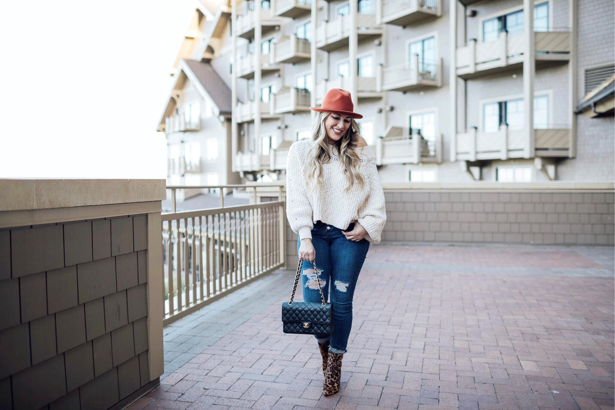 Fall Colors fashion featured by popular fashion blogger, Walking in Memphis in High Heels
