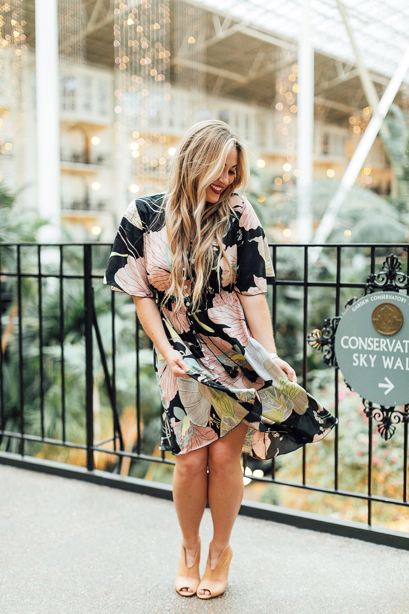 Cute Dresses for Work featured by popular fashion blogger, Walking in Memphis in High Heels: SheIn Button Up Floral Dress