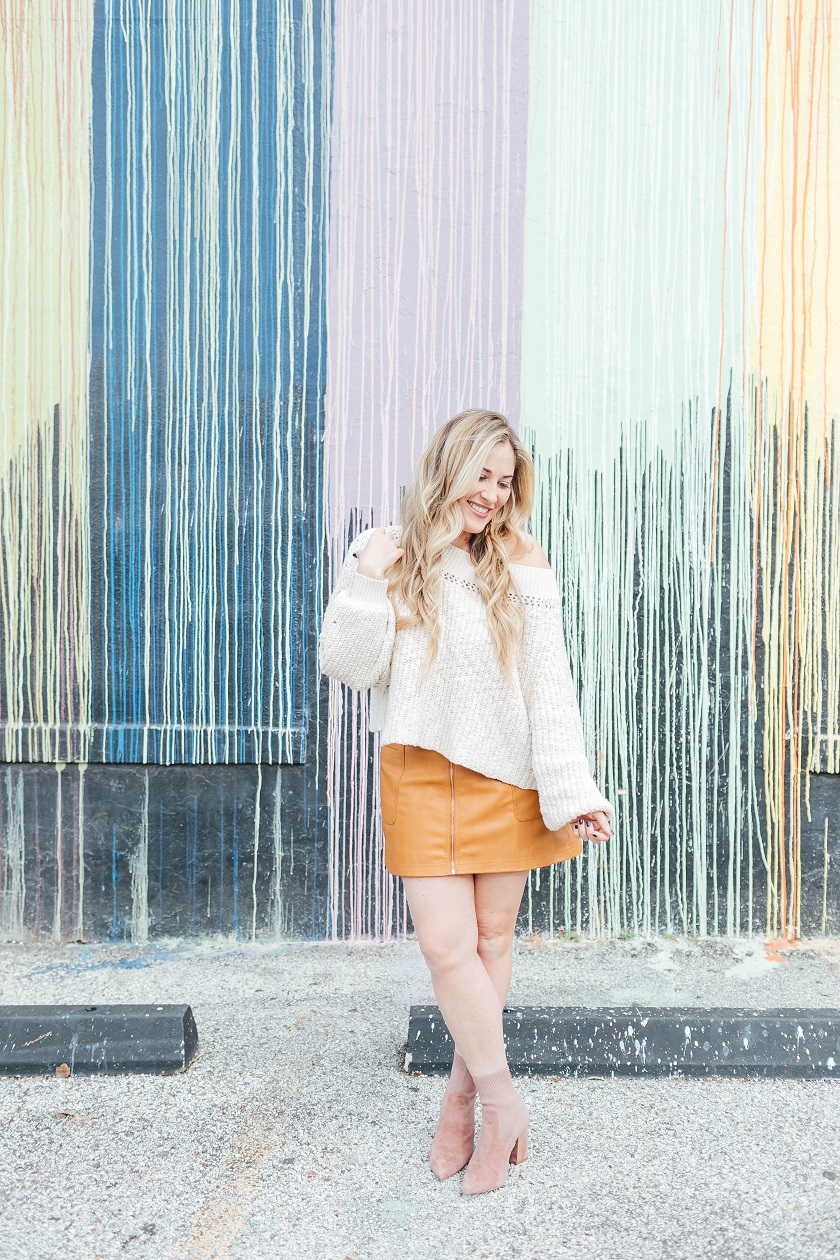Thanksgiving outfit ideas featured by top fashion blog, Walking in Memphis in High Heels