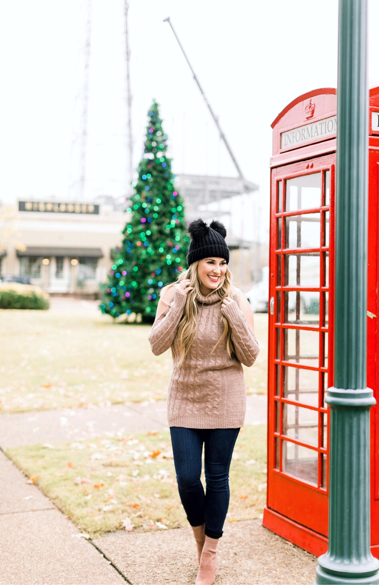 Holidays | Fashion | Trend Spin Linkup - Winter Style featured by top fashion blog Walking in Memphis in High Heels