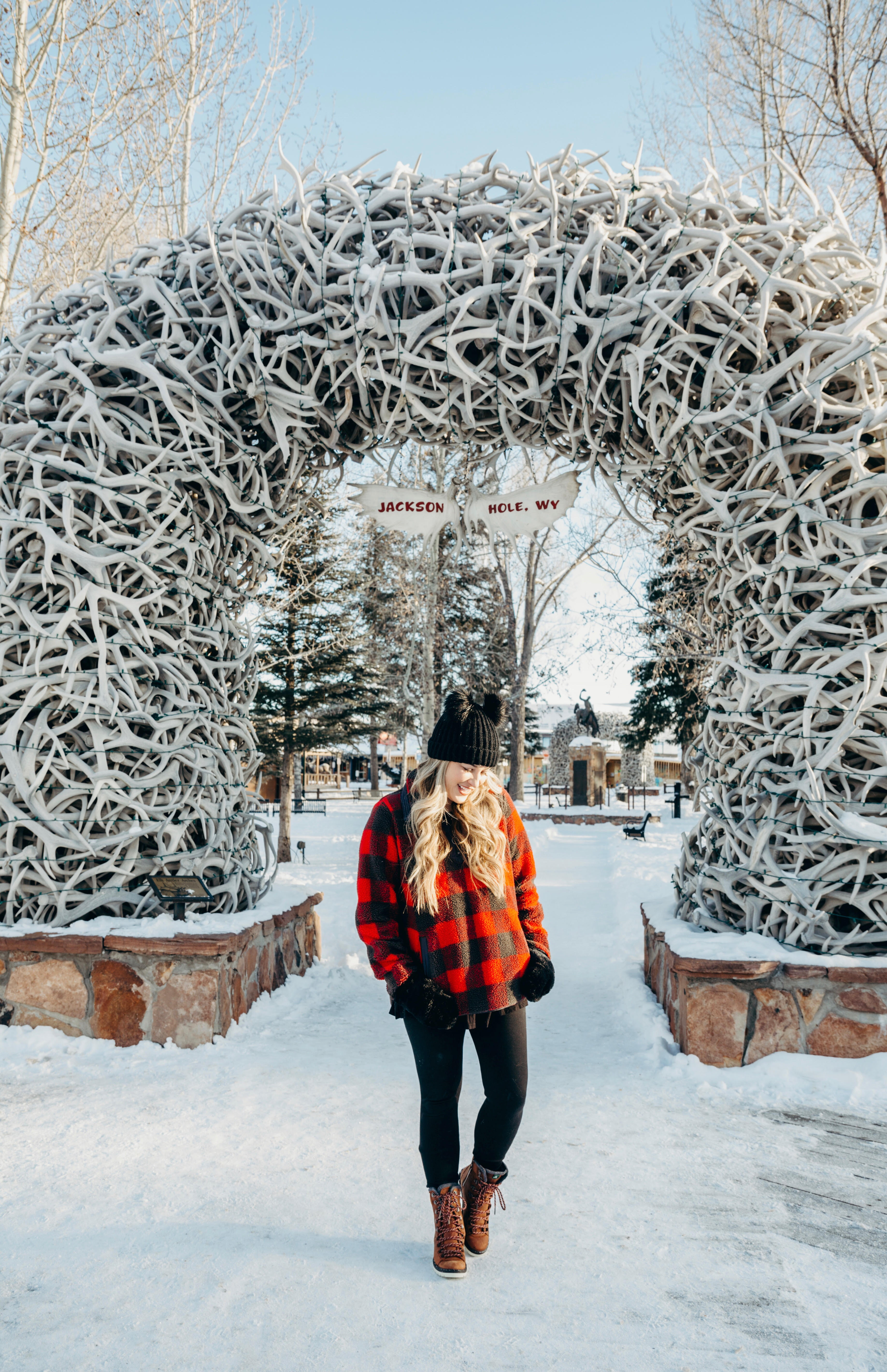 Top 10 Best Places to Go in the USA for the Holidays featured by top US travel blogger, Walking in Memphis in High Heels.