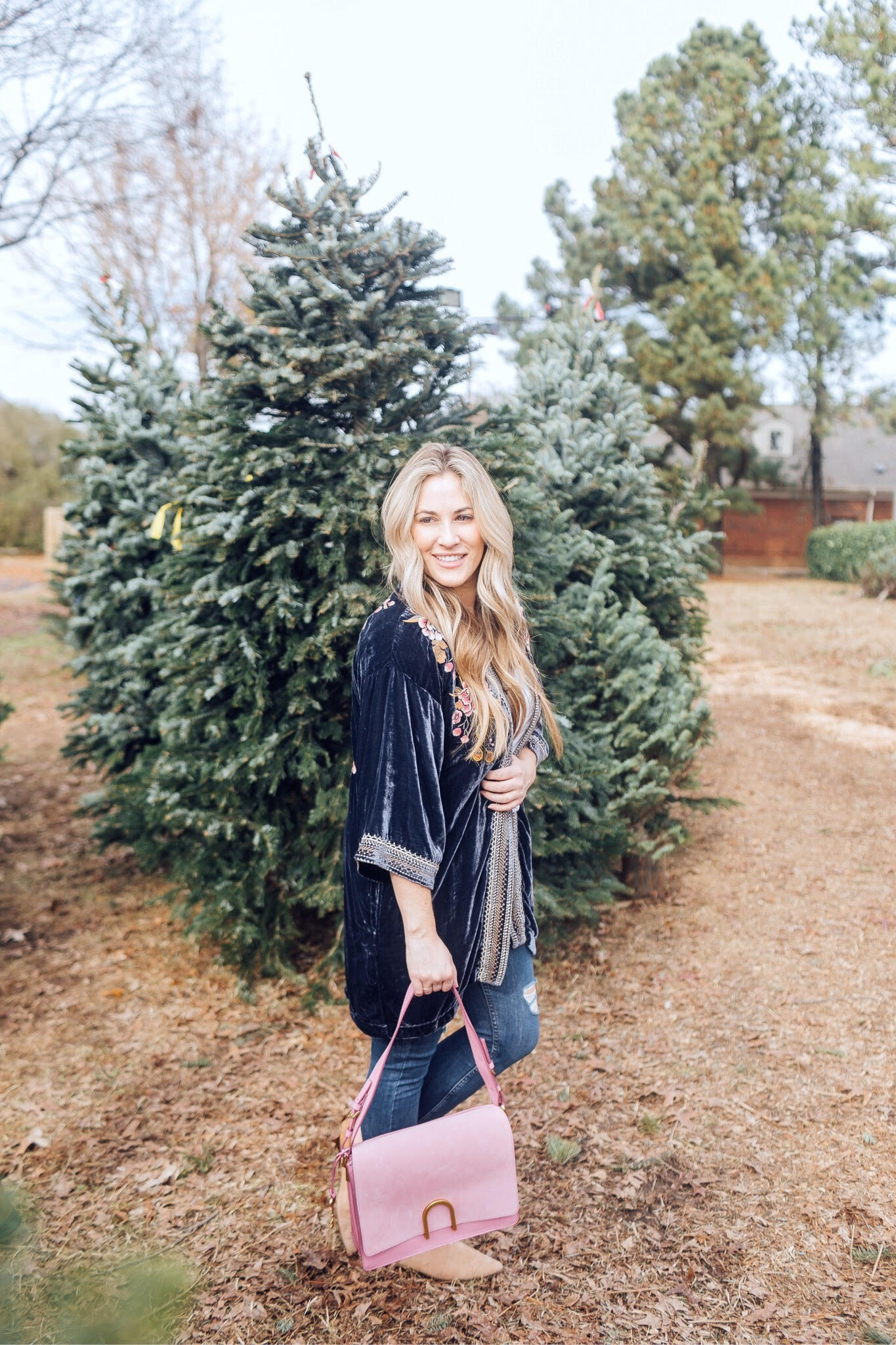 5 Cute Velvet Kimonos to Wear This Winter featured by top US fashion blog, Walking in Memphis in High Heels: image of a woman wearing a LOFT velvet kimono