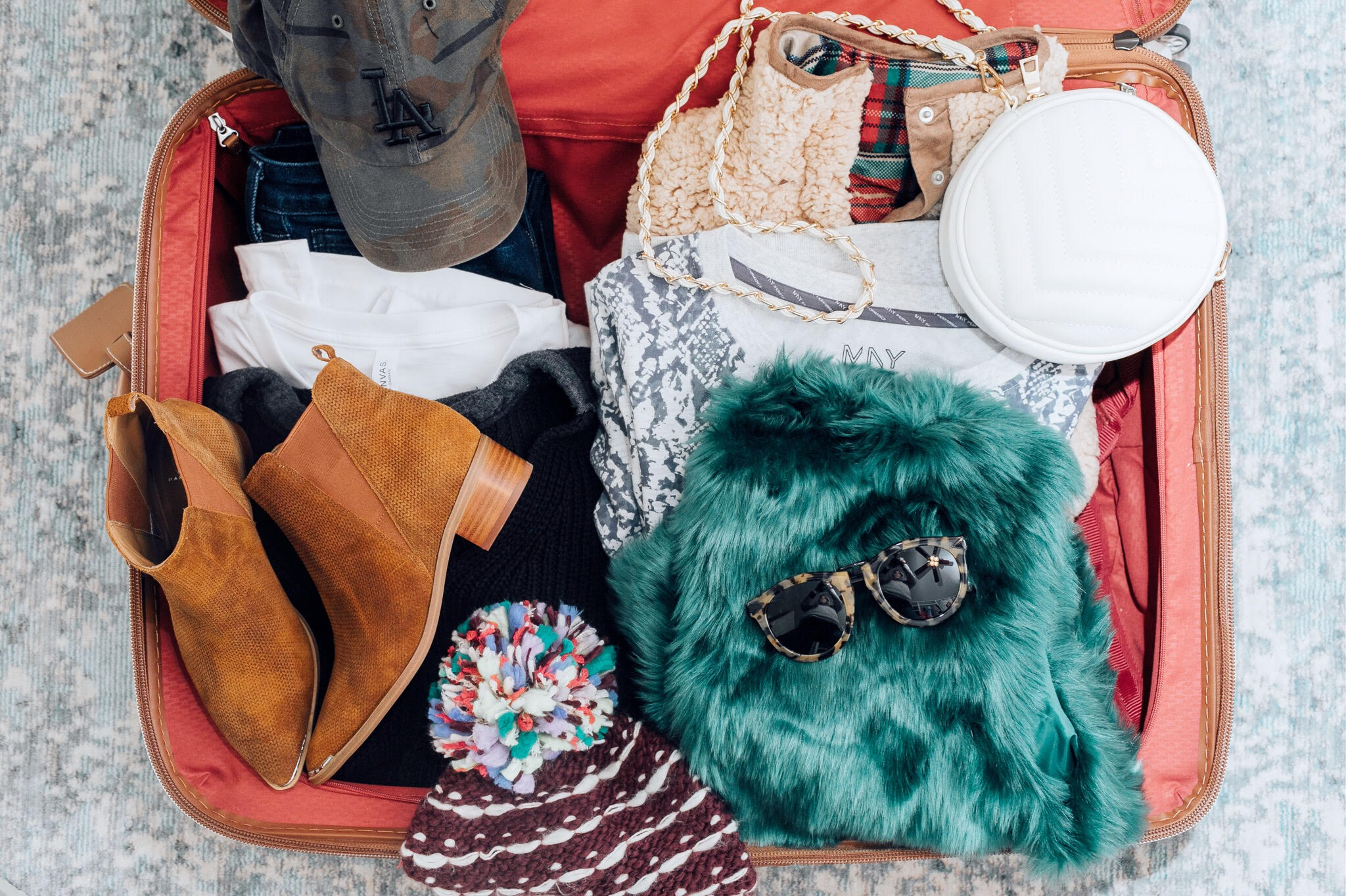 Essentials to pack for your Valentines Getaway