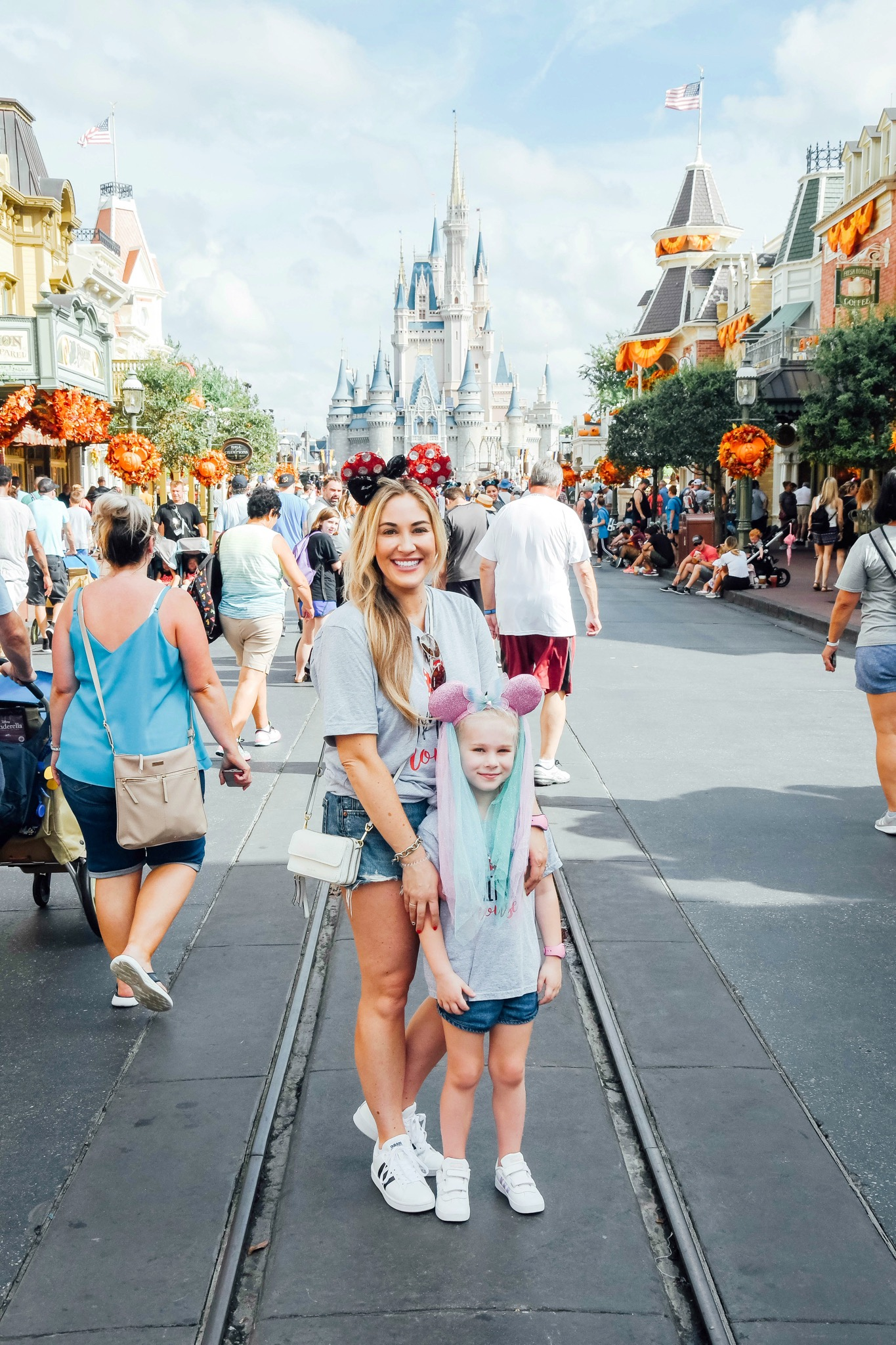 10 Tips to Plan Your Disney World Vacation with Kids featured by top US travel blog, Walking in Memphis in High Heels.