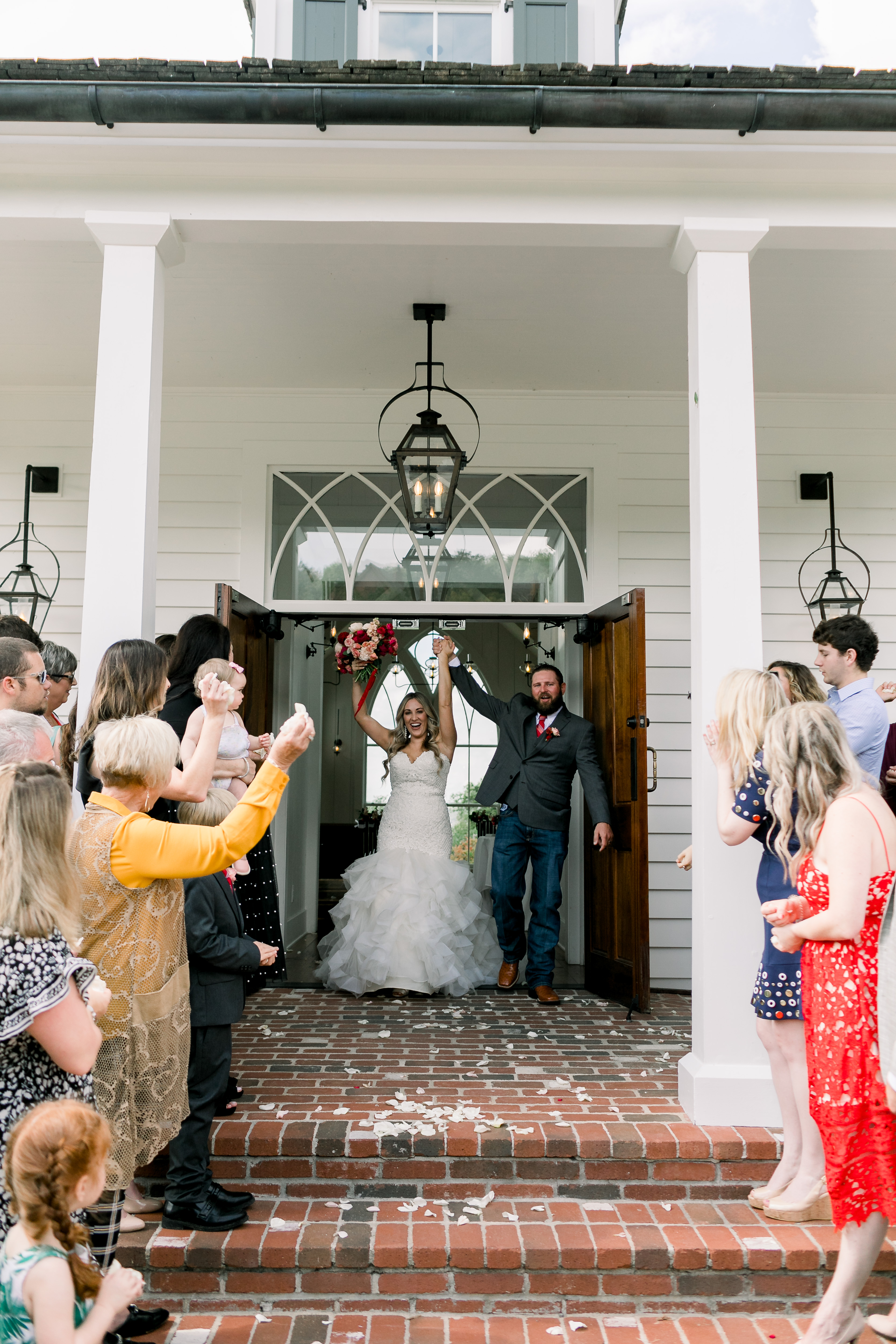 Rustic Fall Wedding in the Ozark Mountains in Branson, Missouri featured by top US lifestyle blog, Walking in Memphis in High Heels.