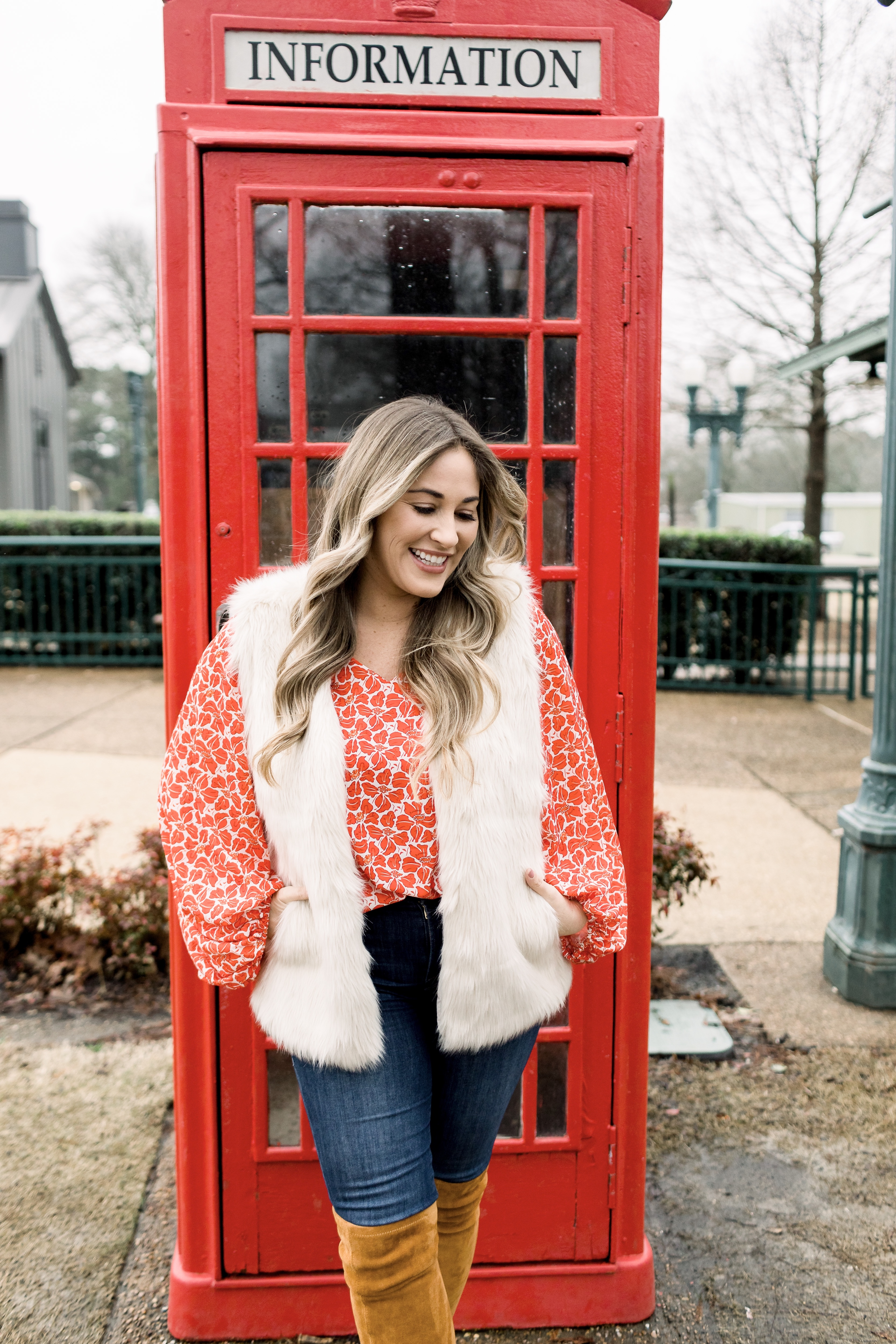 Floral blouse styled for Spring by top Memphis fashion blog, Walking in Memphis in High Heels: image of a woman wearing an Azokoe floral blouse from Amazon fashion.
