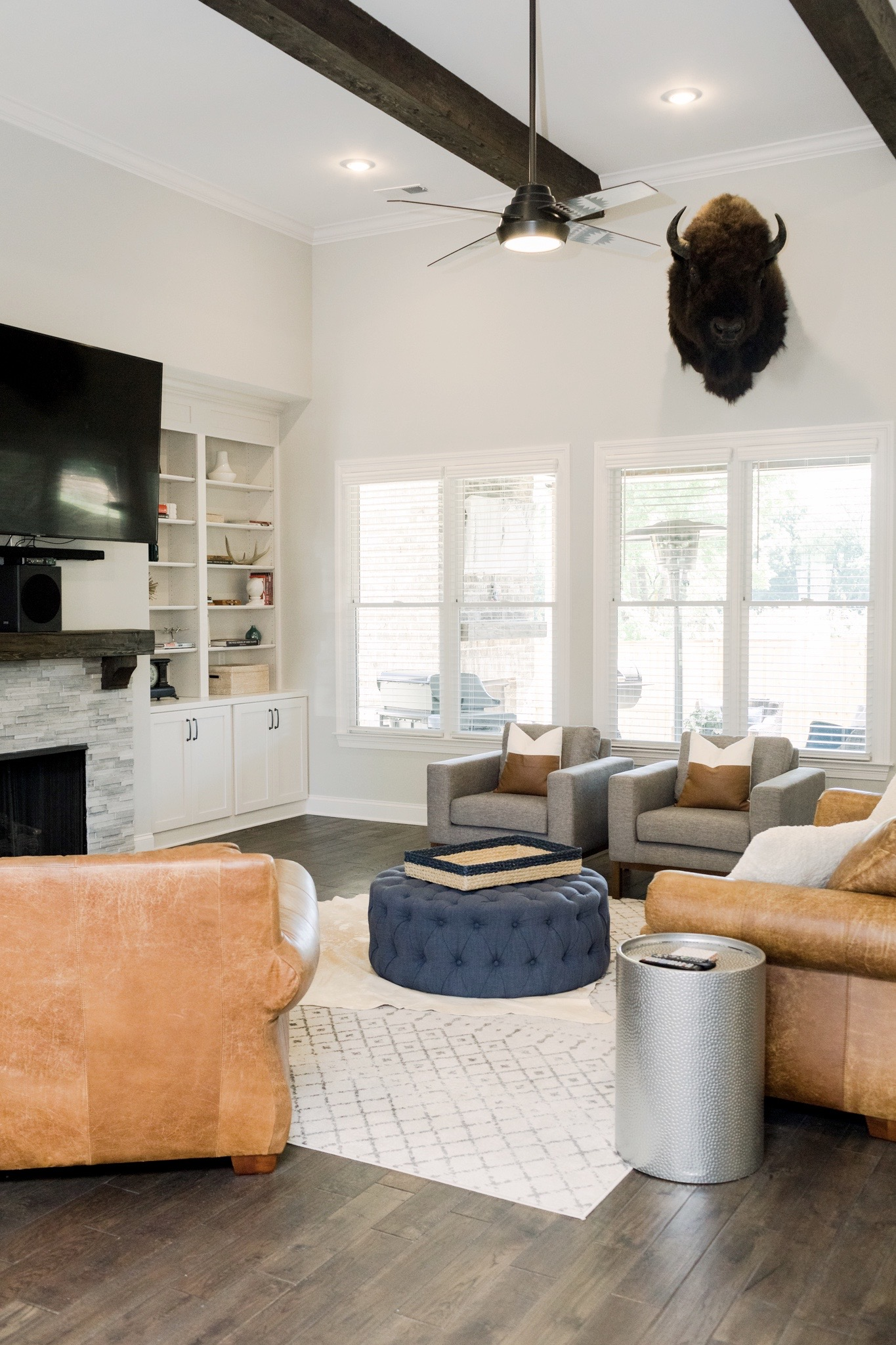Modern Farmhouse Living Room Furniture and Decor featured by top Memphis lifestyle blogger, Walking in Memphis in High Heels.