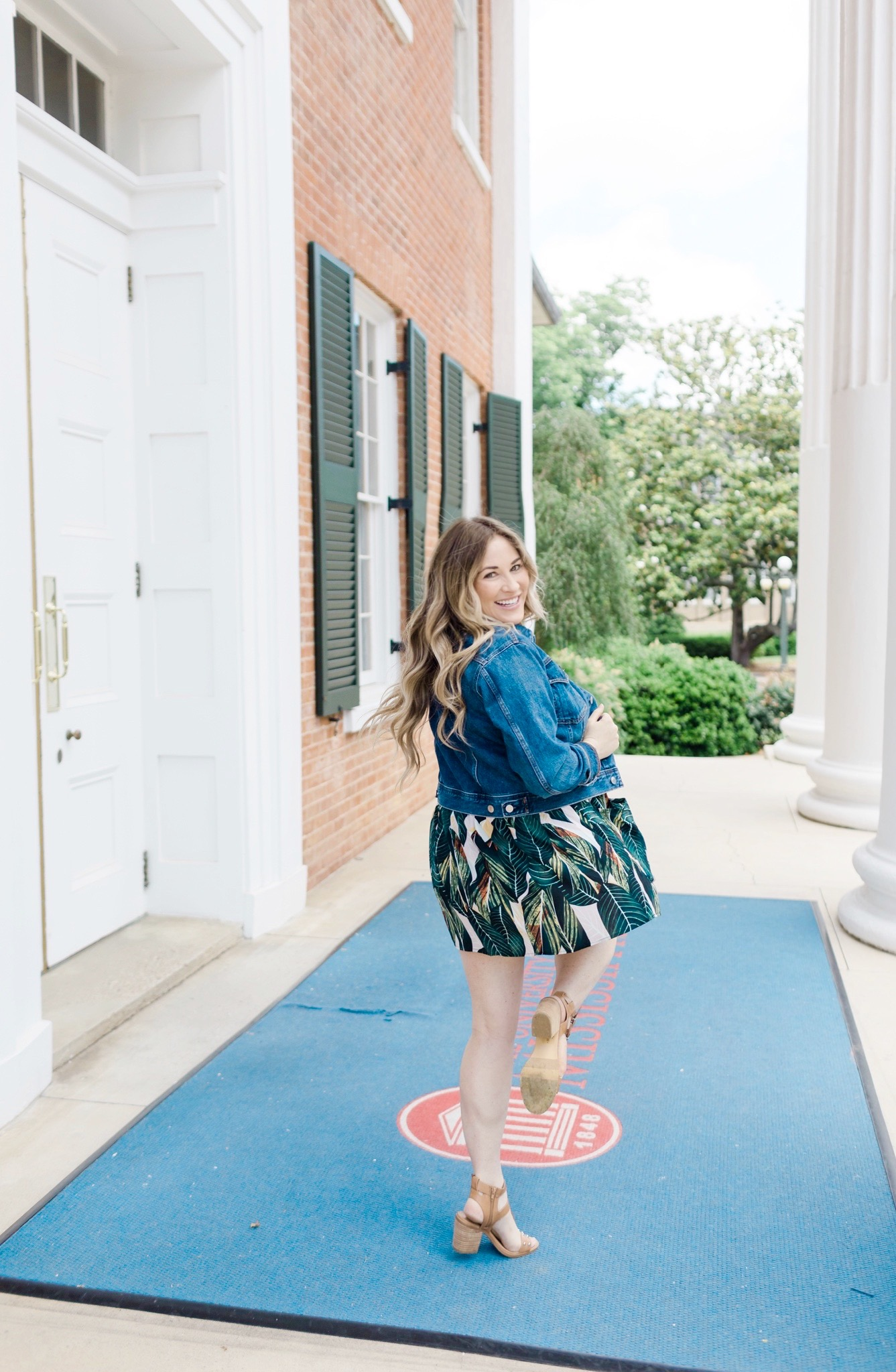 Amazon Summer Dresses Try On Haul featured by top Memphis fashion blog, Walking in Memphis in High Heels.