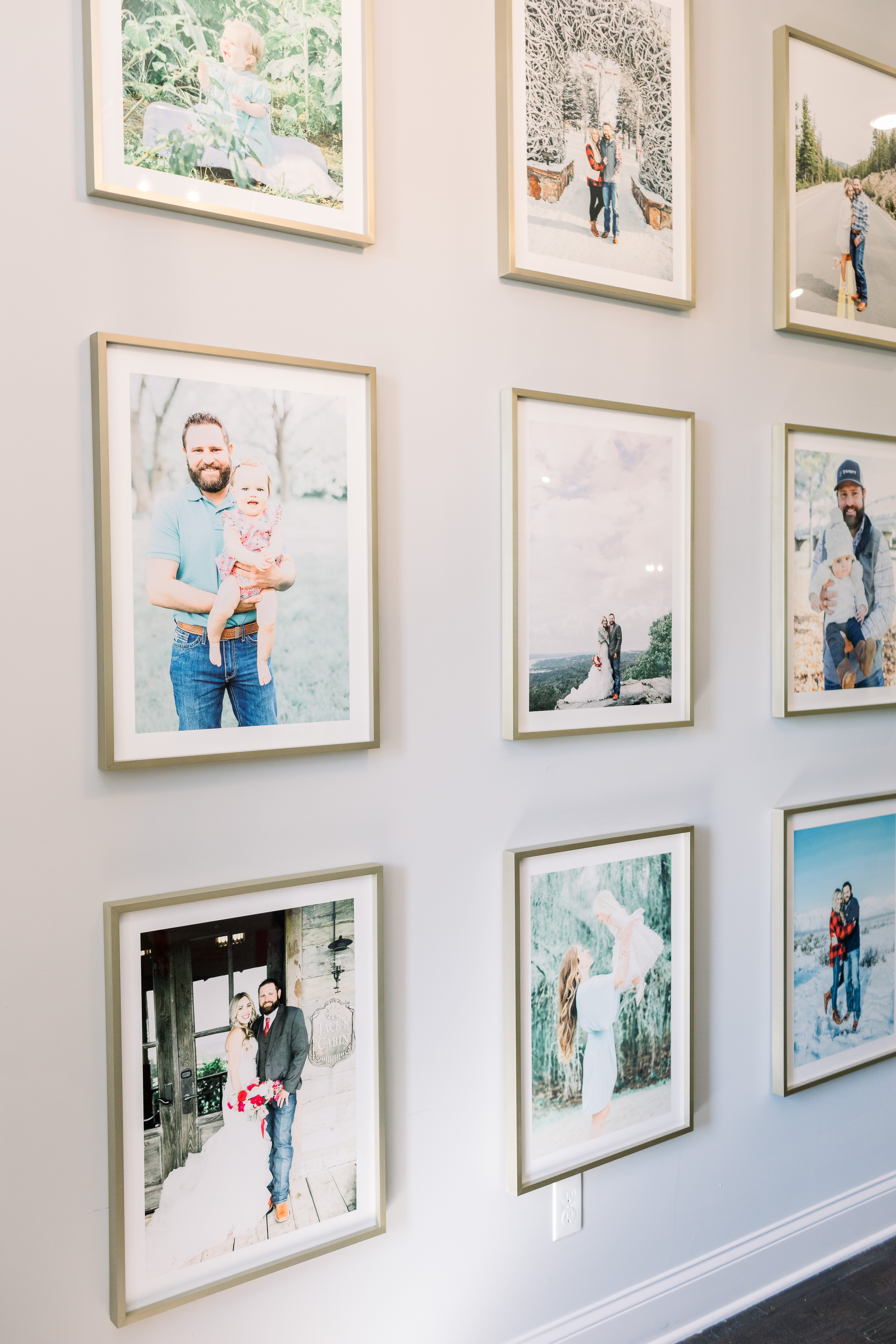 How to Make a Gallery Wall, tips featured by top Memphis lifestyle blogger, Walking in Memphis in High Heels.