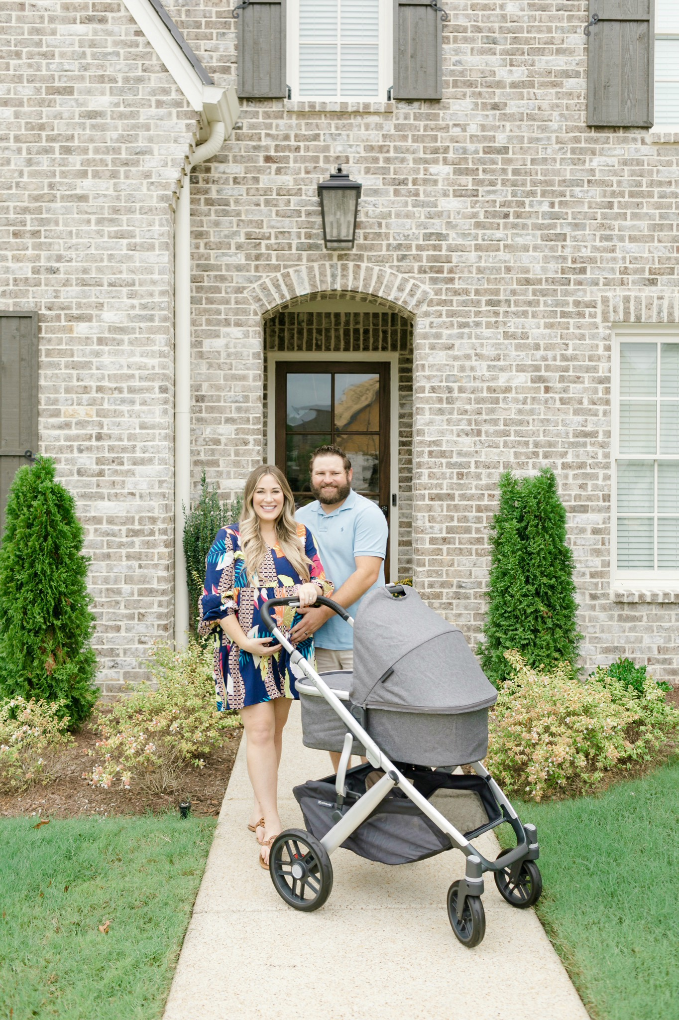 UPPAbaby Vista Stroller review featured by top Memphis mommy blogger, Walking in Memphis in High Heels.