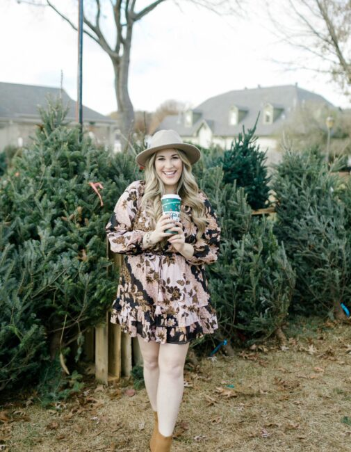 Vera Bradley Luggage Giveaway featured by top Memphis lifestyle blogger, Walking in Memphis in High Heels