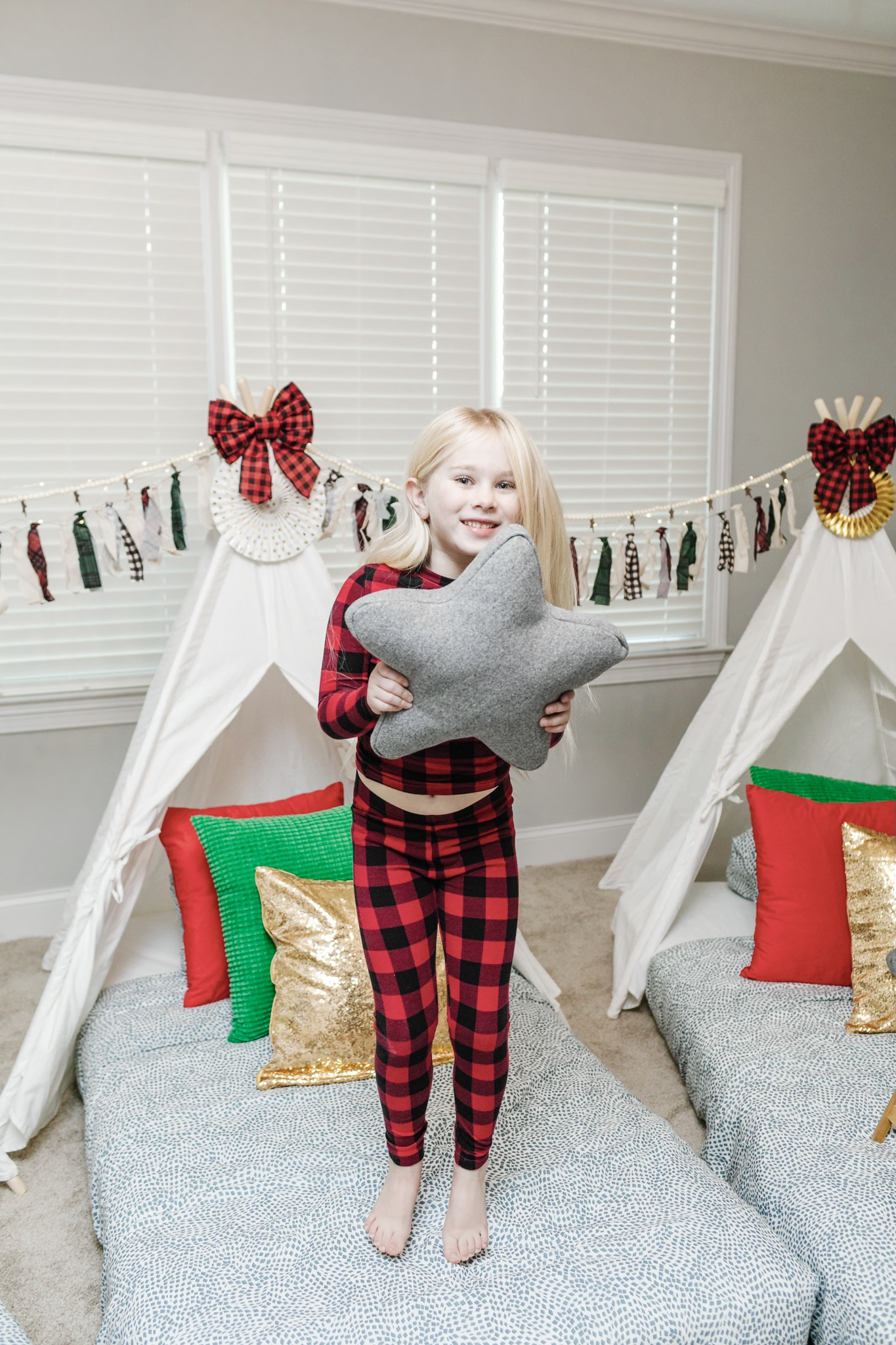 5 Indoor Winter Activities for the Entire Family featured by top Memphis lifestyle blogger, Walking in Memphis in High Heels.