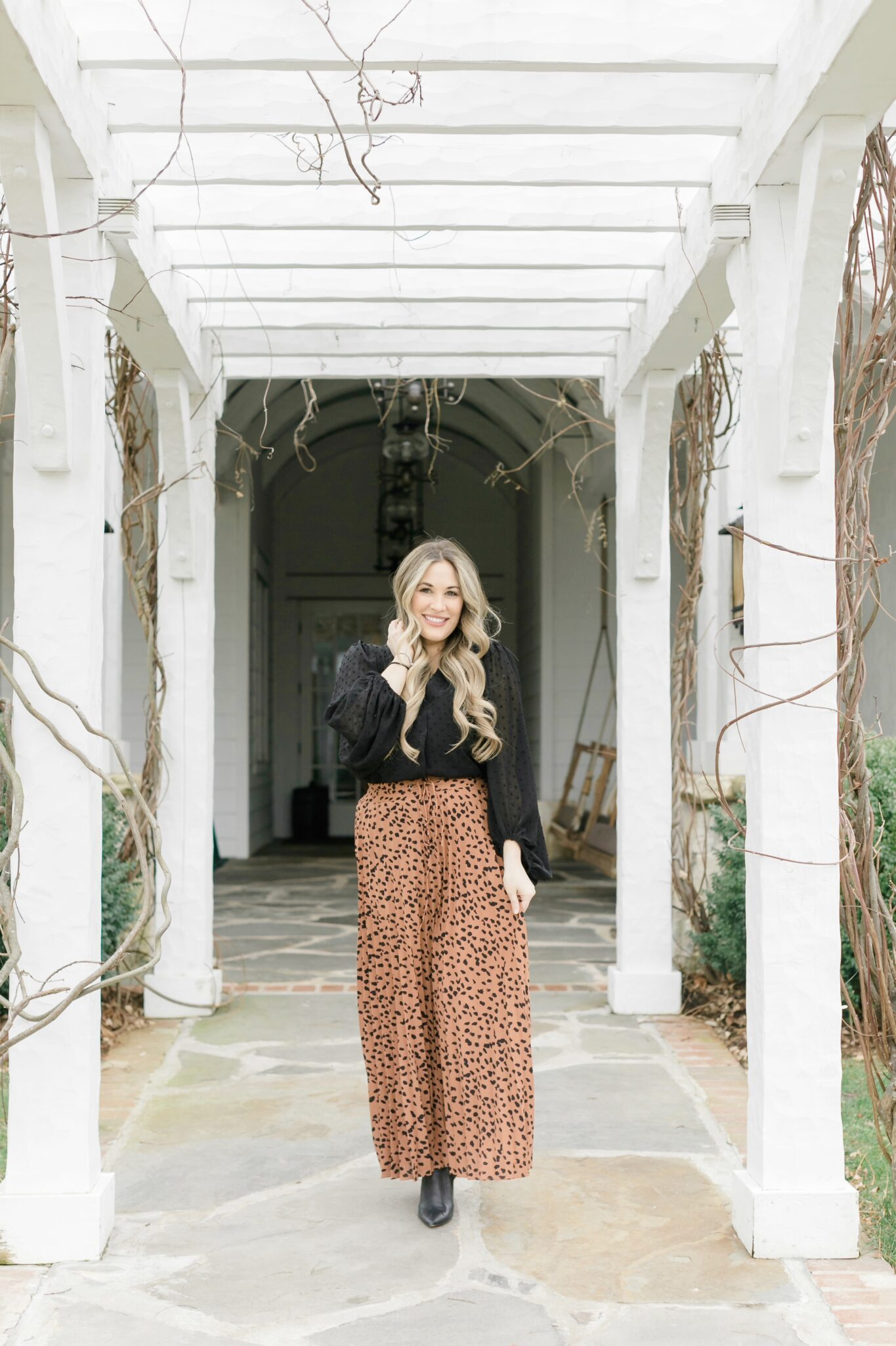 PinkBlush animal print maxi skirt styled by top Memphis fashion blogger, Walking in Memphis in High Heels.
