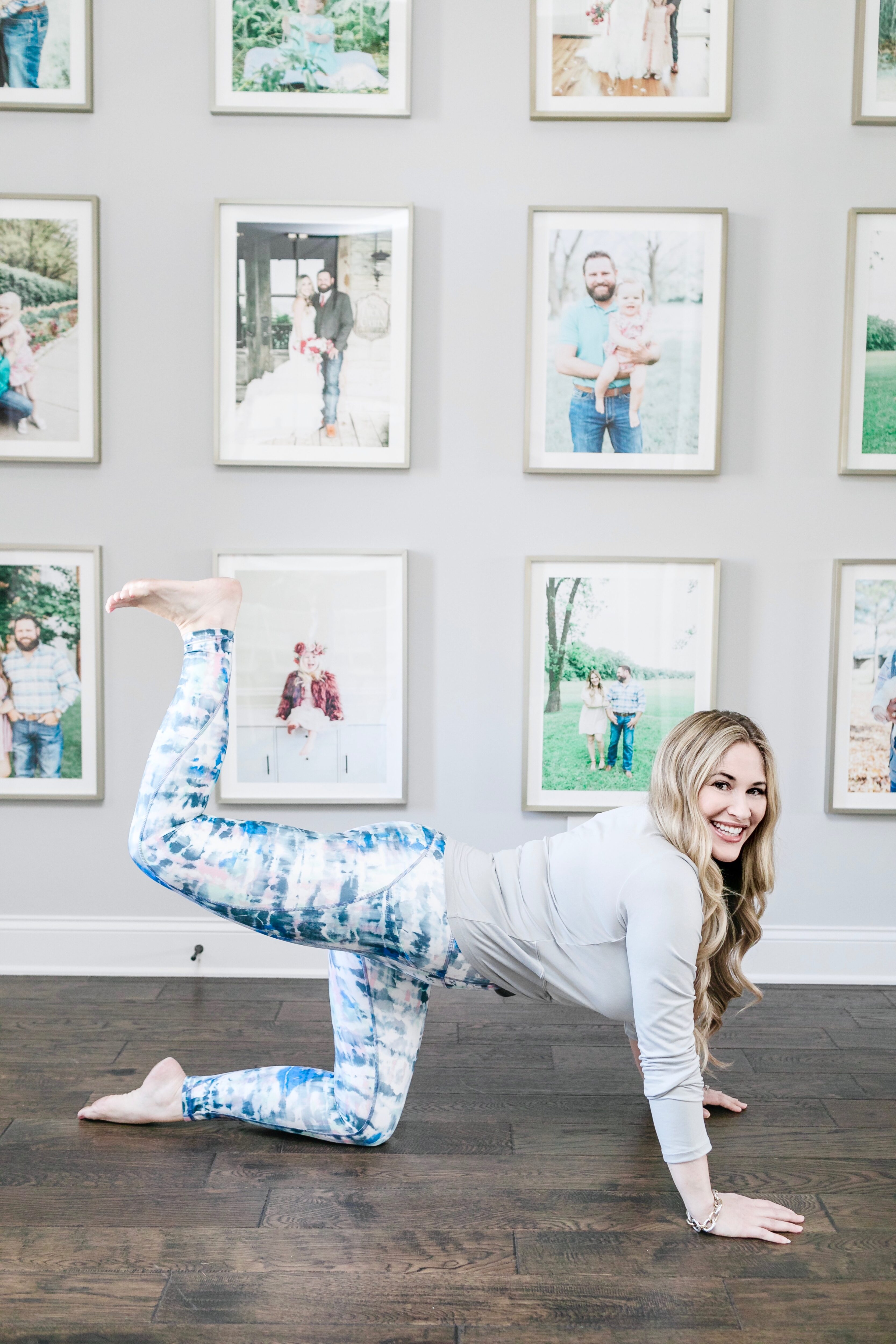 A Quick 3 Move Booty Workout featured by top Memphis fitness blogger, Walking in Memphis in High Heels.