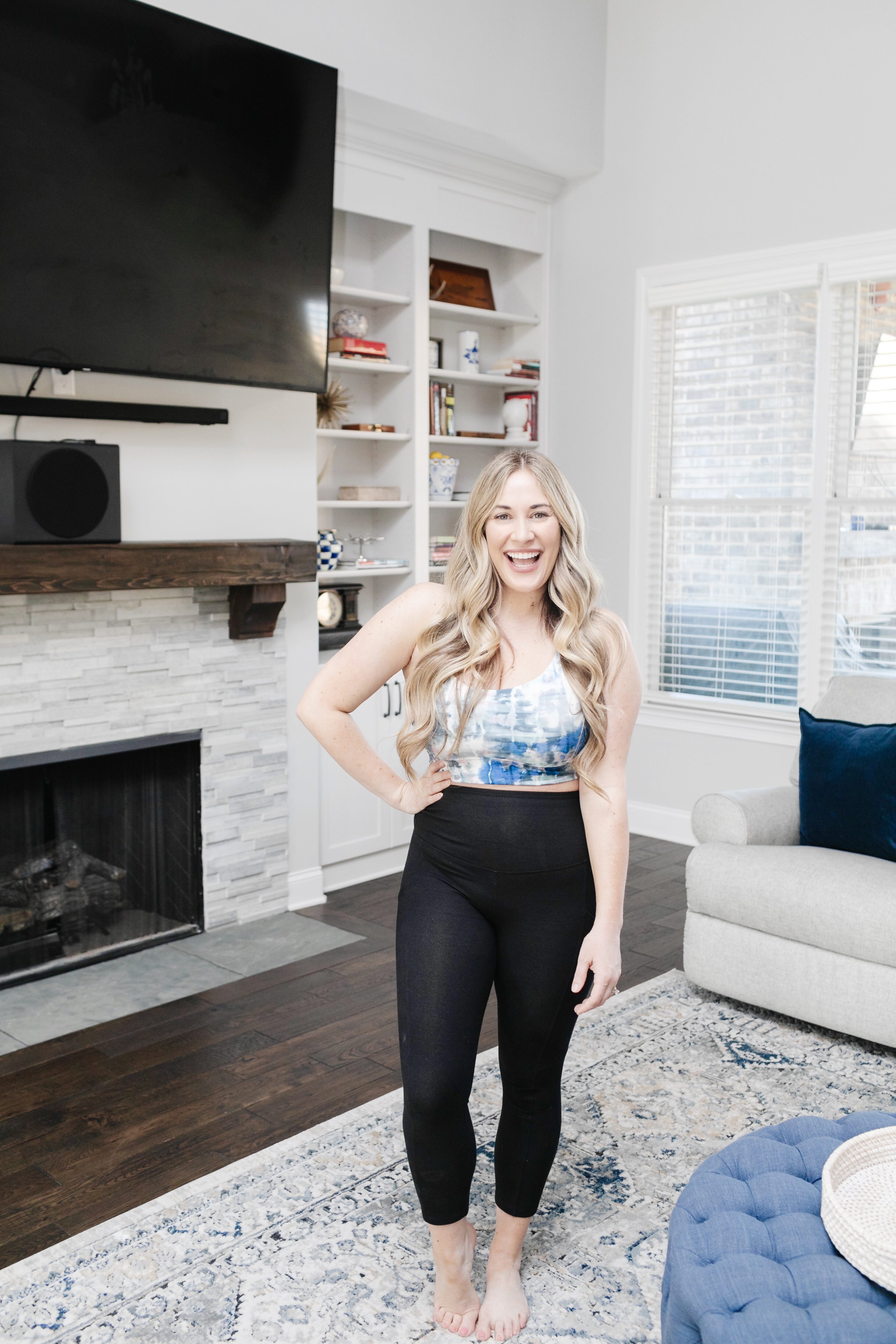 best fitting black leggings for moms featured by top Memphis fitness blogger, Walking in Memphis in High Heels: image of a woman wearing Yummie shaping black leggings